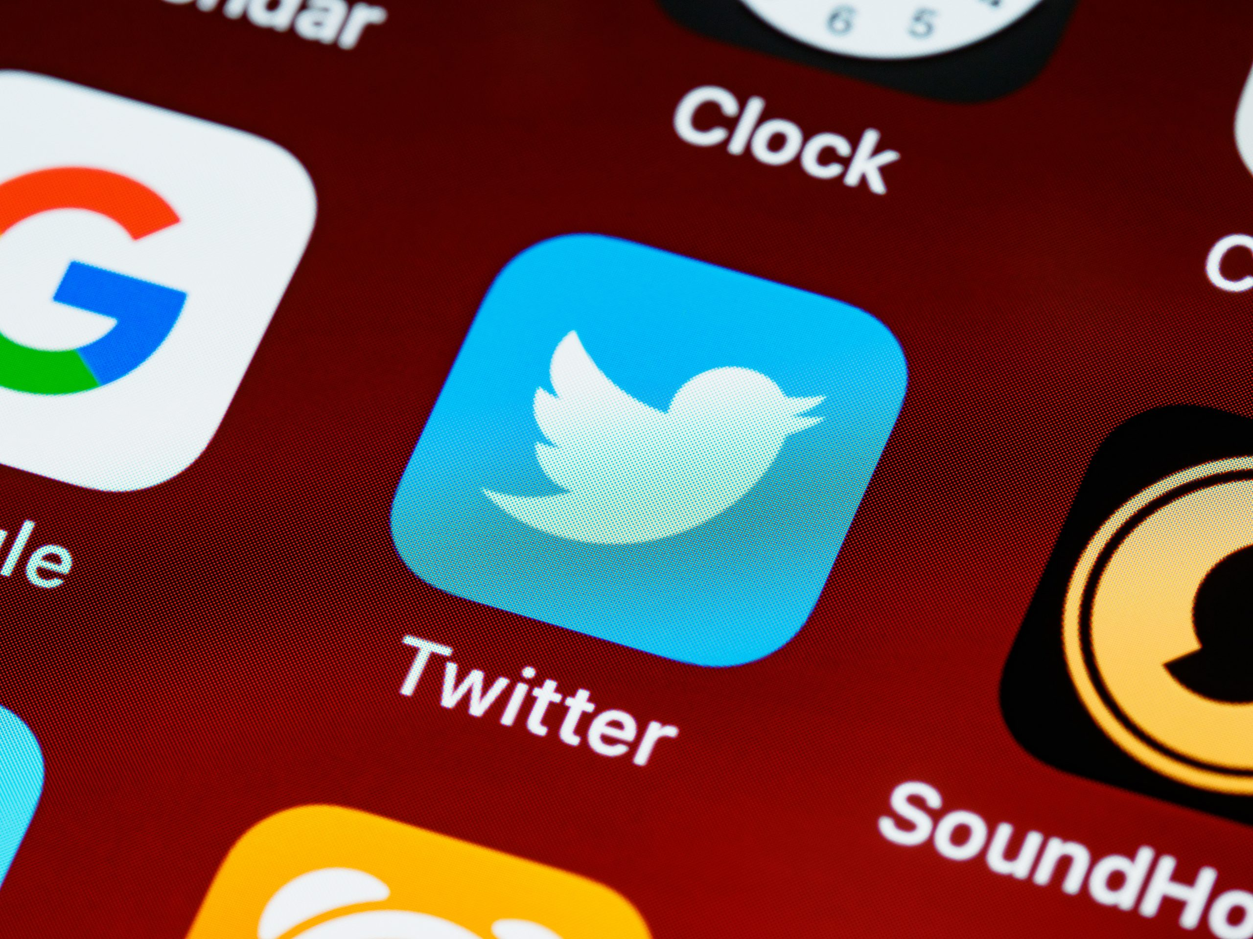 A Scribbler's Guide to Twitter Pitch Contests